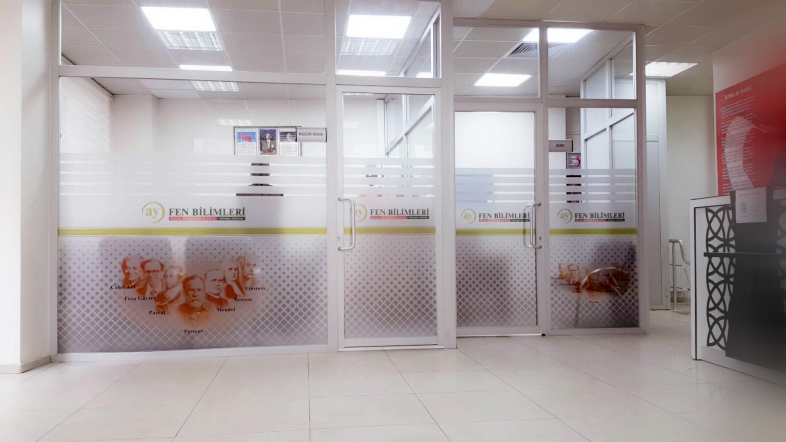 ümraniye ayfen bilimleri ofis cam kumlafa folyo deseni uygulaması